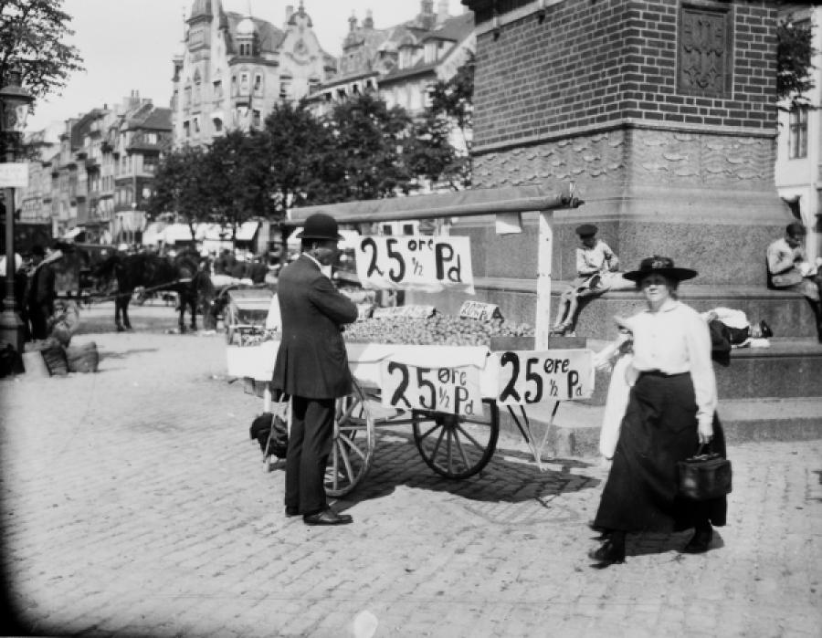 Foto af en salgsvogn på Højbro Plads