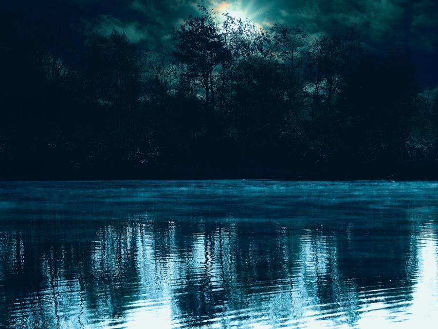 Mørk sø