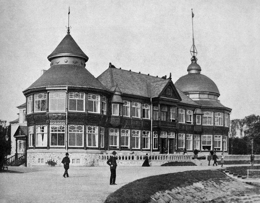 Sort hvid foto af Langelinie Pavillonen